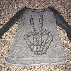 Skeleton peace sign T-shirt